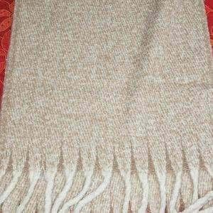 Brand new women's blanket scarve